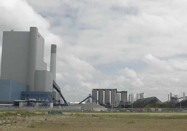 E.On's coal fired power plants on the Maasvlakte. Photo credit: Zandcee